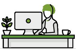 mujer escribiendo en el ordenador